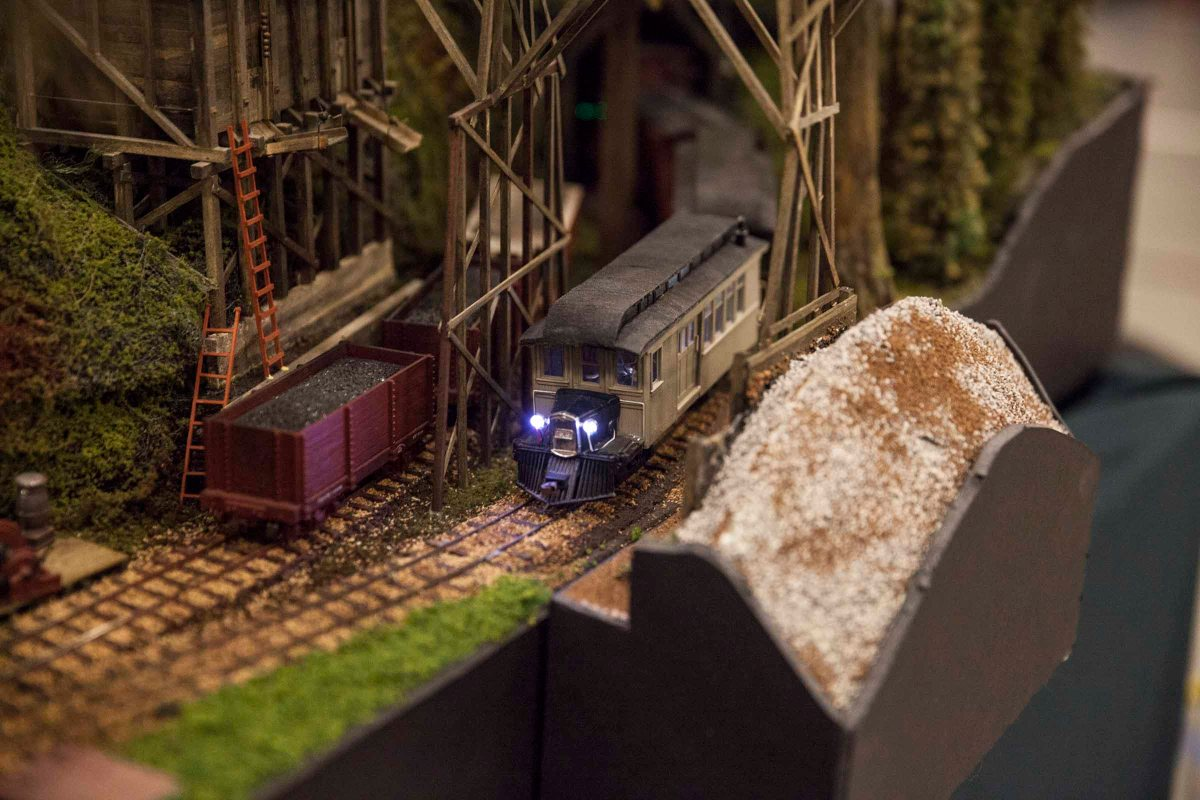 2016-04-17 Supertrain Model Train Show 100