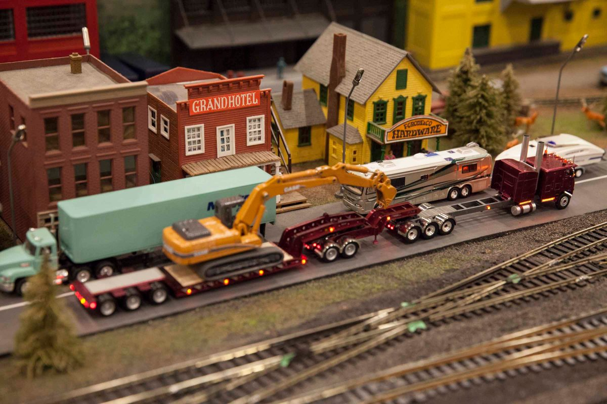 2016-04-17 Supertrain Model Train Show 78