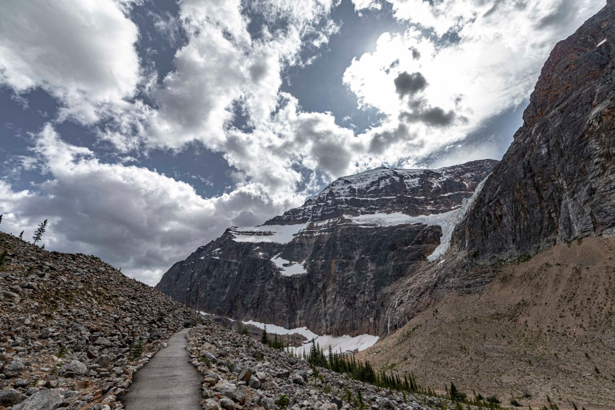 2019-07-29 Parker Ridge & Edith Cavell Hikes 13