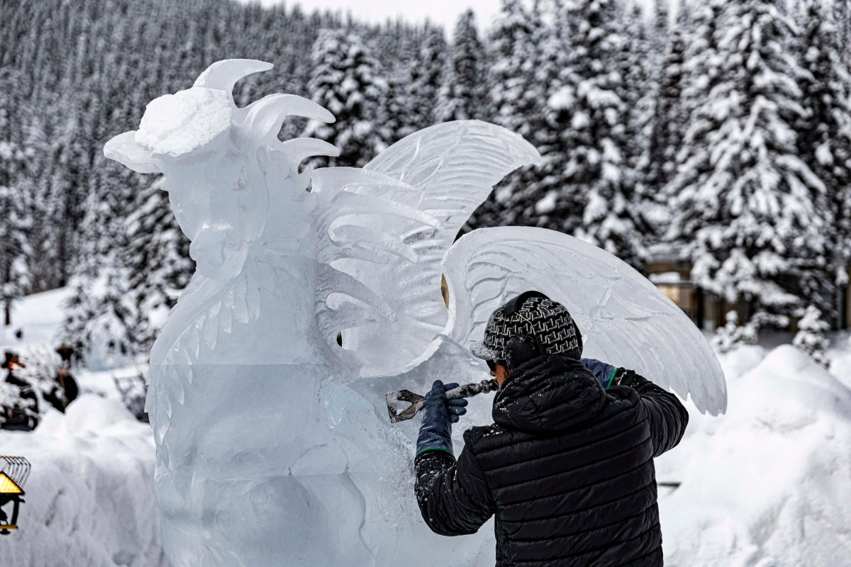 2020-01-17 Lake Louise Ice Sculptures 11