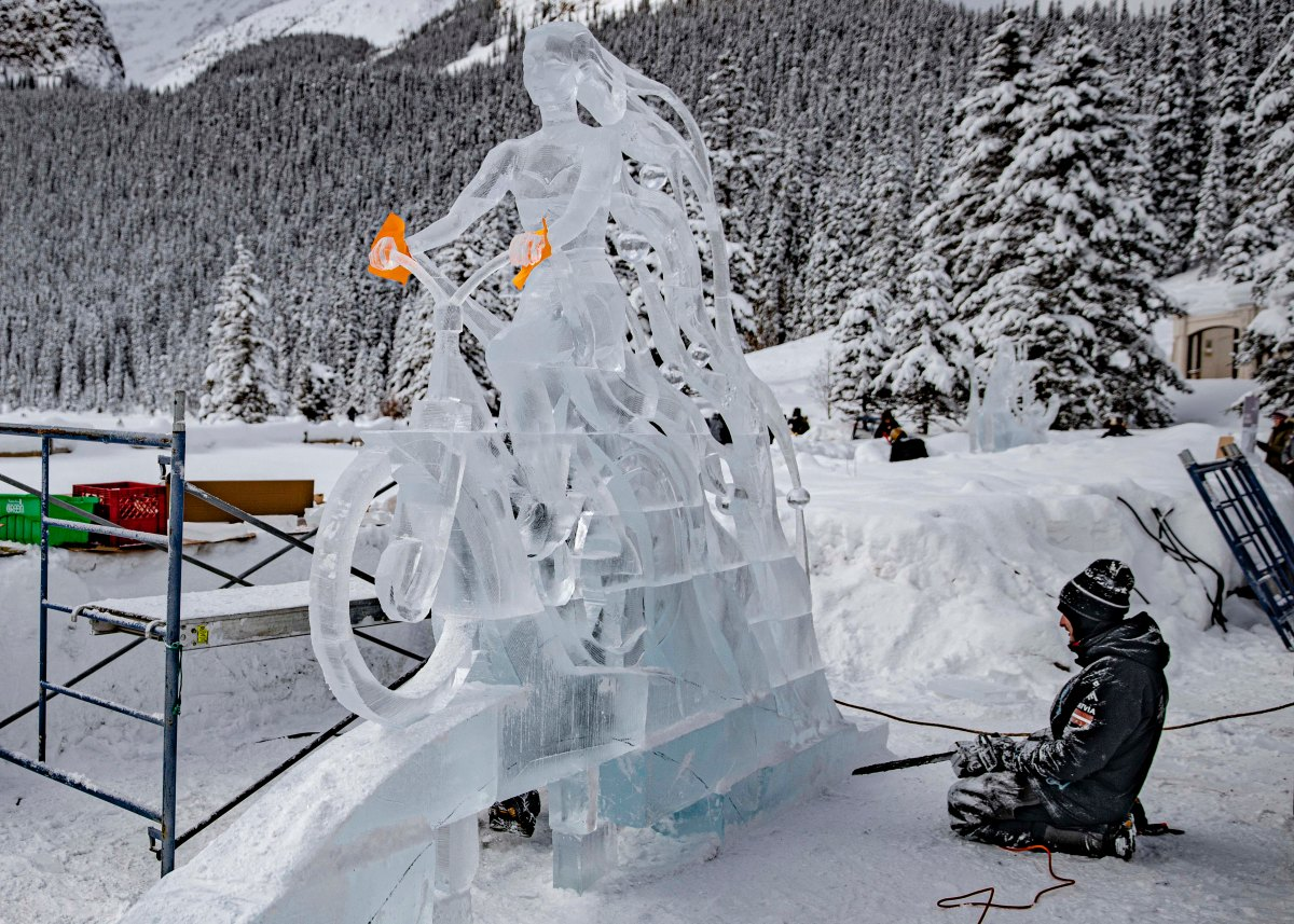 2020-01-17 Lake Louise Ice Sculptures 27