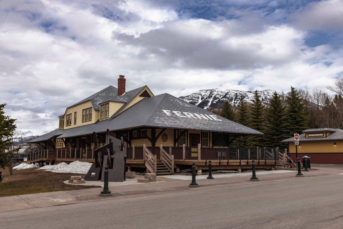 2020-04-18 Crowsnest Pass 16